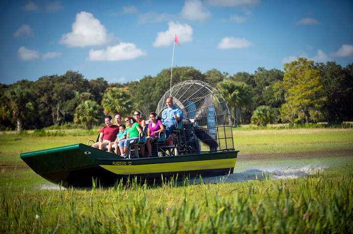 Maak en airboat tour langs alligators in Orlando