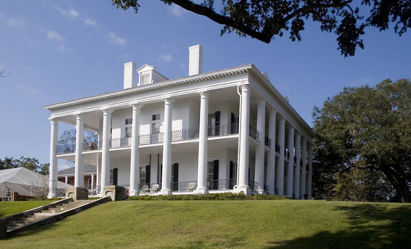 Dunleith Plantation in Natchez Mississippi