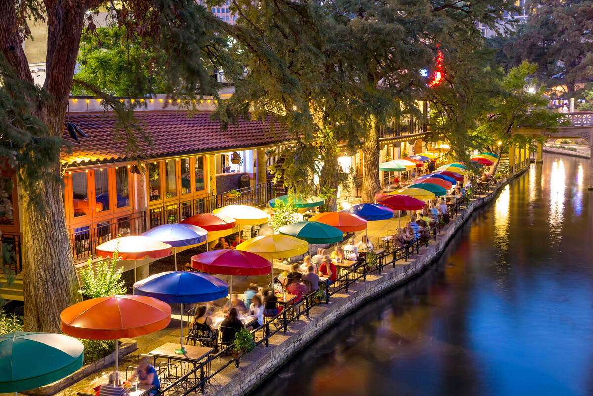 San Antonio River Mall Restaurants