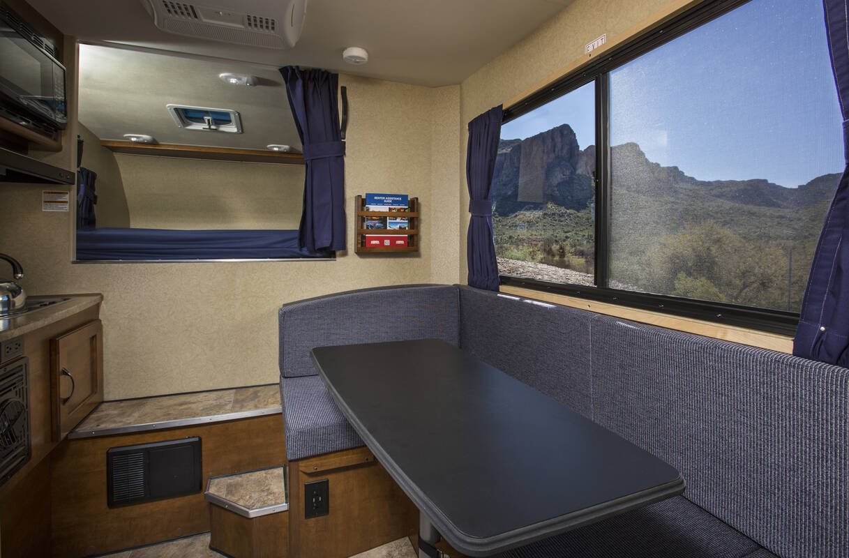 Truck Camper 17 Ft Van Cruise America