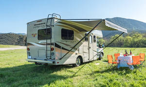 Road Bear RV familie-camper 21-23 ft Eurostyle