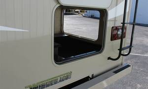 23 ft C Class camper Traveland RV