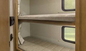 Traveland 32 ft C class Bunk