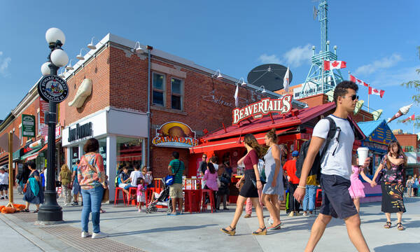 Koop een beavertail op ByWard Market, Ottawa. Credit: Destination Canada
